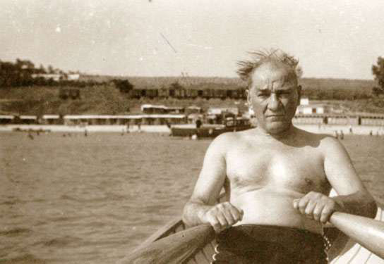 Atatürk yüzme spor kürek